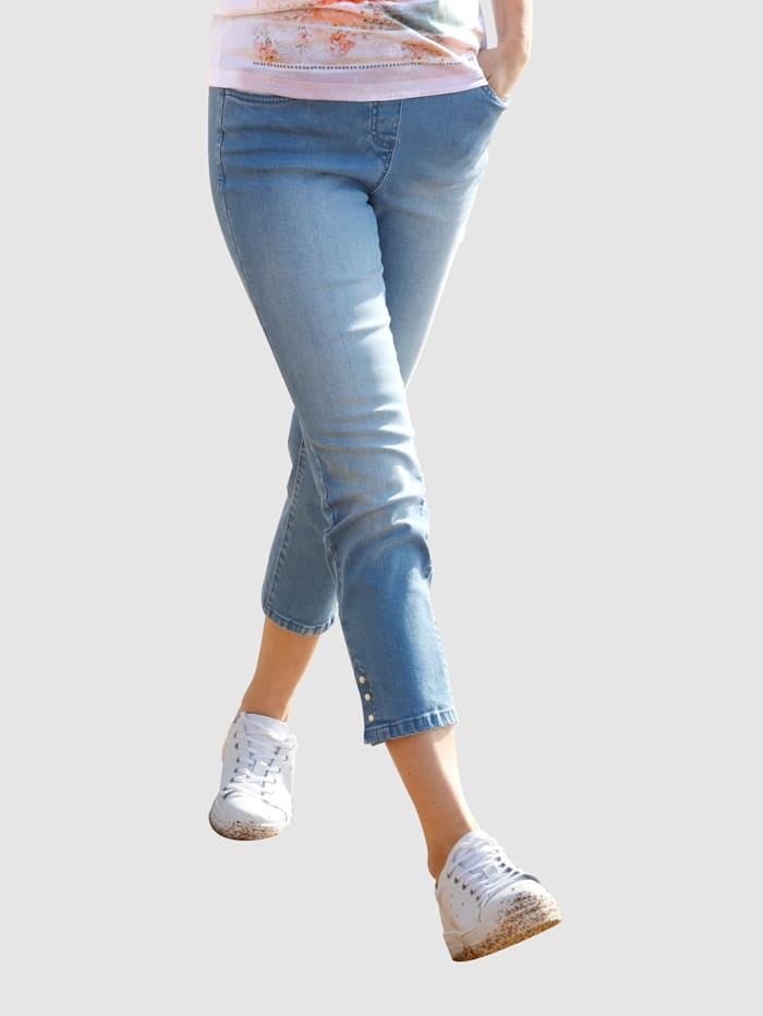 Image of 3/4 Jeans basically you Blue bleached