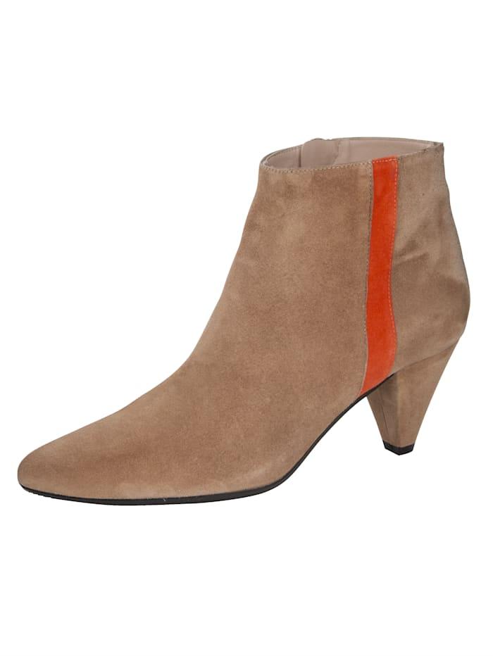Is het tijd voor nieuwe schoenen? wat dacht u van een enkellaarsje van gennia? merkkwaliteit. trechterhak van ...