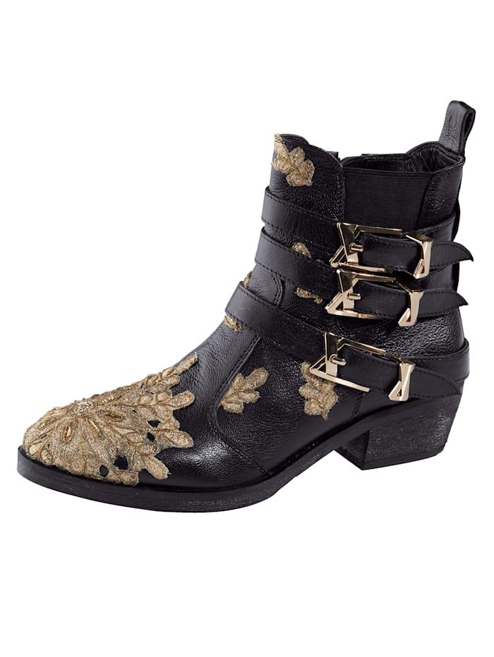 Is het tijd voor nieuwe schoenen? wat dacht u van een enkellaarsje van liva loop? platte hak van 4,5 cm. het ...