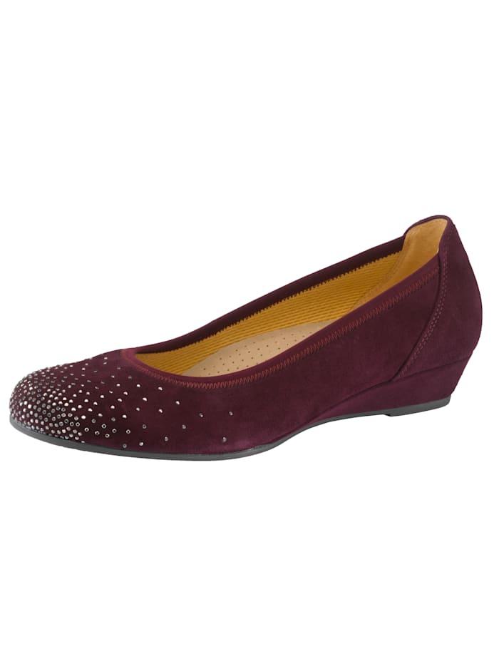 Sleehak van 3 cm. gladde zool. dit model heeft geen sluiting. de schoenmaat wordt aangegeven in engelse maten....