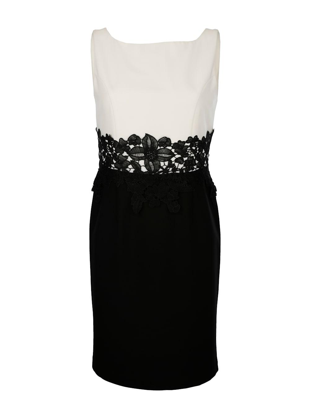 alba moda kleid mit dekorativem spitzenband in der taille | alba moda