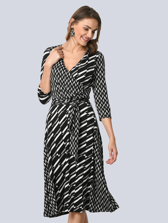 alba moda kleid mit femininem wickelausschnitt | alba moda