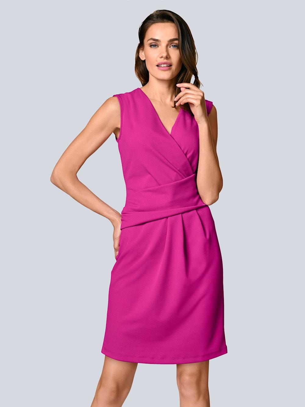 alba moda kleid mit femininer raffung in der taille | alba moda