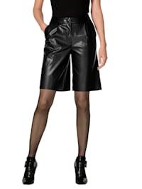 Shorts mit PU-Beschichtung