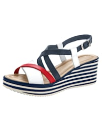Sandály v harmonickém barevném provedení