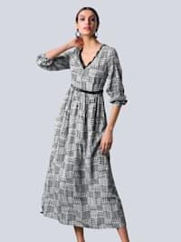 Šaty s celoplošním srdíčkovým vzorem