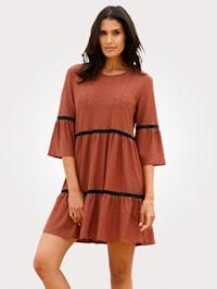 Beach dress with lace trim