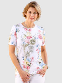 Top with aneye-catching floral print