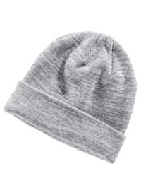 Pletená čepice se širokým patentem