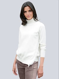 Pullover mit asymetrischem Saum