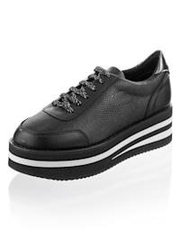 Sneaker met trendy plateauzool