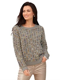 Pullover aus verschieden farbigen Garnen