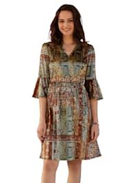 Šaty zo zamatu
