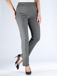 Kalhoty s módním károvaným vzorem