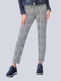 Nohavice so žakárovým vzorom kohútej stopy