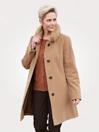 Short wool-blend coat with a hint of cashmere