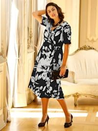 Kleid mit schönem Blumendruck