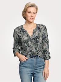 Blouse in a graphic print