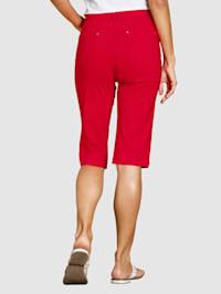 Knälånga shorts i klassisk 5-ficksmodell