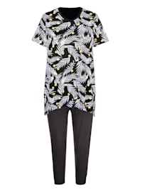 Pyjamas med flikig nederkant på överdelen