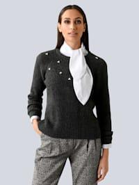 Pullover mit Zierperlen bestickt