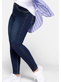 Jeans in superelastischer Denim-Qualität