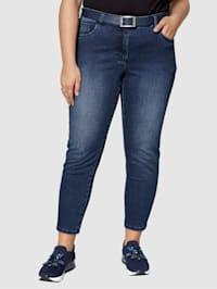 Jeans med resirkulert polyester