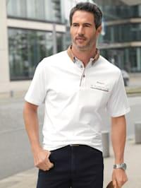 Poloshirt mit bedruckten Details & Paspelierungen