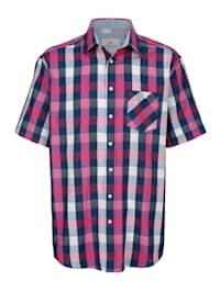 Košeľa v ľahko ošetrovateľnej kvalite