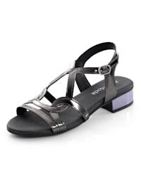 Sandaaltje met mooie glans