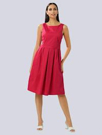 Kleid aus edler Ware