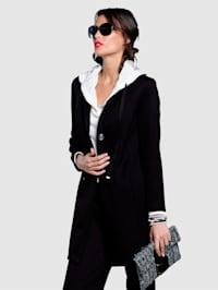 Mantel aus äußerst trageangenehmer elastischer Scuba-Qualität