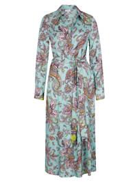Kleid im modischen Druck