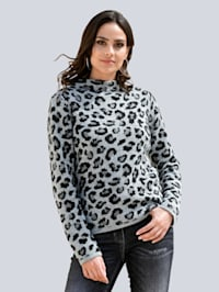 Pullover in modischem Leostrickdessin