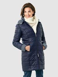Kabát s odnímateľnou kapucňou