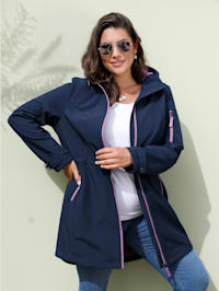 Softshell bunda s praktickou kapucňou