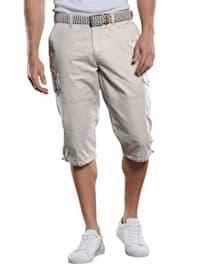 Sportive Cargo Hose in sommerlicher Farbe