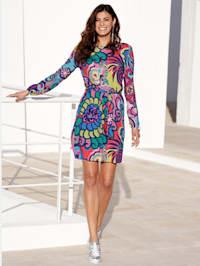 Kjole med grafisk print