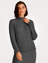 Jumper with a sophisticated stand collar