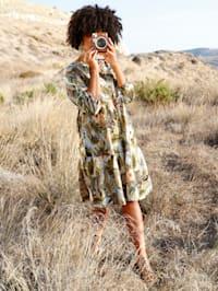 Kleid mit Abstufungen