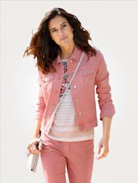Jeansjacke in modischer Farbgebung