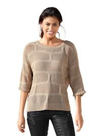 Pullover im Lochstrick