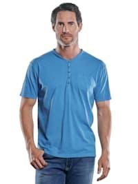 Lebhaftes Shirt mit Henleydesign