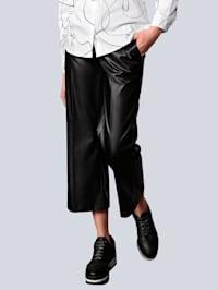 Hose in modischer Culotte-Form