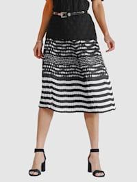 Plisserad kjol med söta prickar