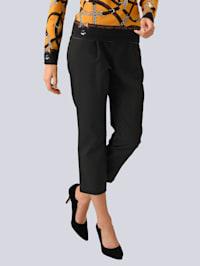 Nohavice s vysokou pásovkou a opaskom