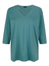 Tričko s moderným výstrihom
