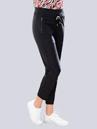 Hose mit angesetzter Blende am Beinabschluss