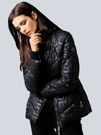 Gewatteerde jas met letterprint allover