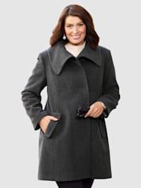 Vlněný kabát s módním ležatým límcem